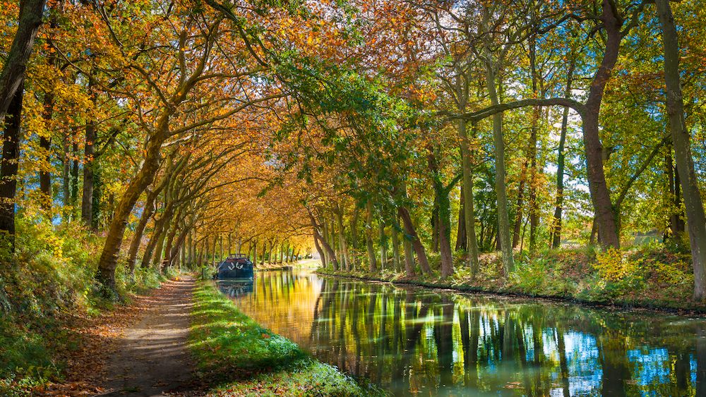 A view of the beautiful scenery in the Canal du Midi